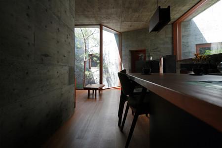 48 光洞の家