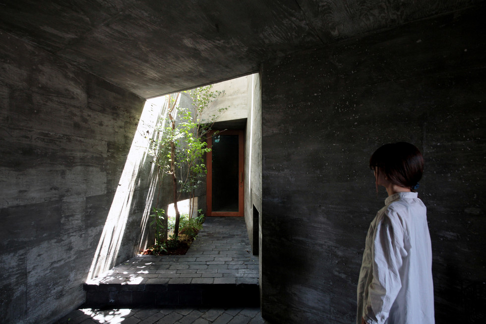 13 光洞の家