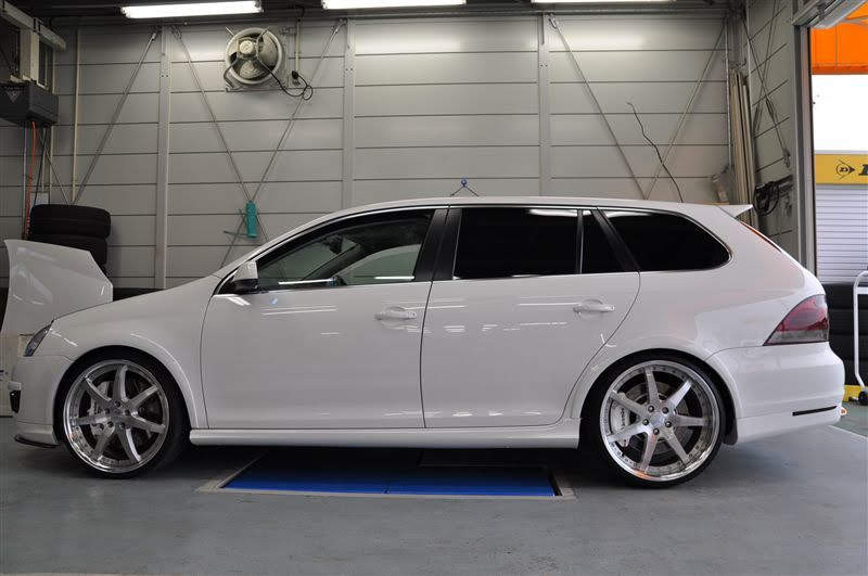 2013 VW Sportwagen MK6 Golf-R Conversion