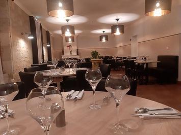 Restaurant-Hotel-Bar-a-petits-plats-lAub