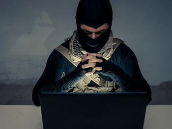 مواجهة الإرهاب يتطلب التعامل مع جذوره الحقيقية
