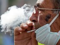 كوفيد-19 ومدخني السجائر العادية والإلكترونية والأرجيلة