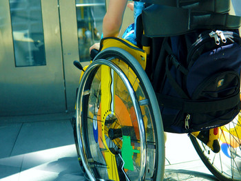 العنف والإهمال ضد الأطفال ذويالإعاقة