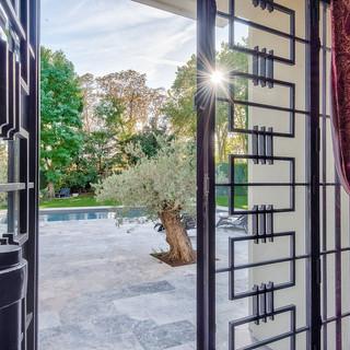 Porte d'entrée vers piscine