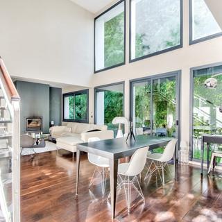 Maison moderne lumineuse
