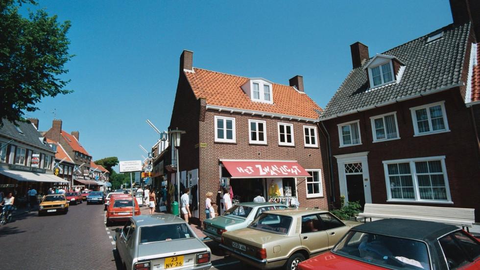 """""""Al bijna 40 jaar de leukste winkel van Domburg!"""""""