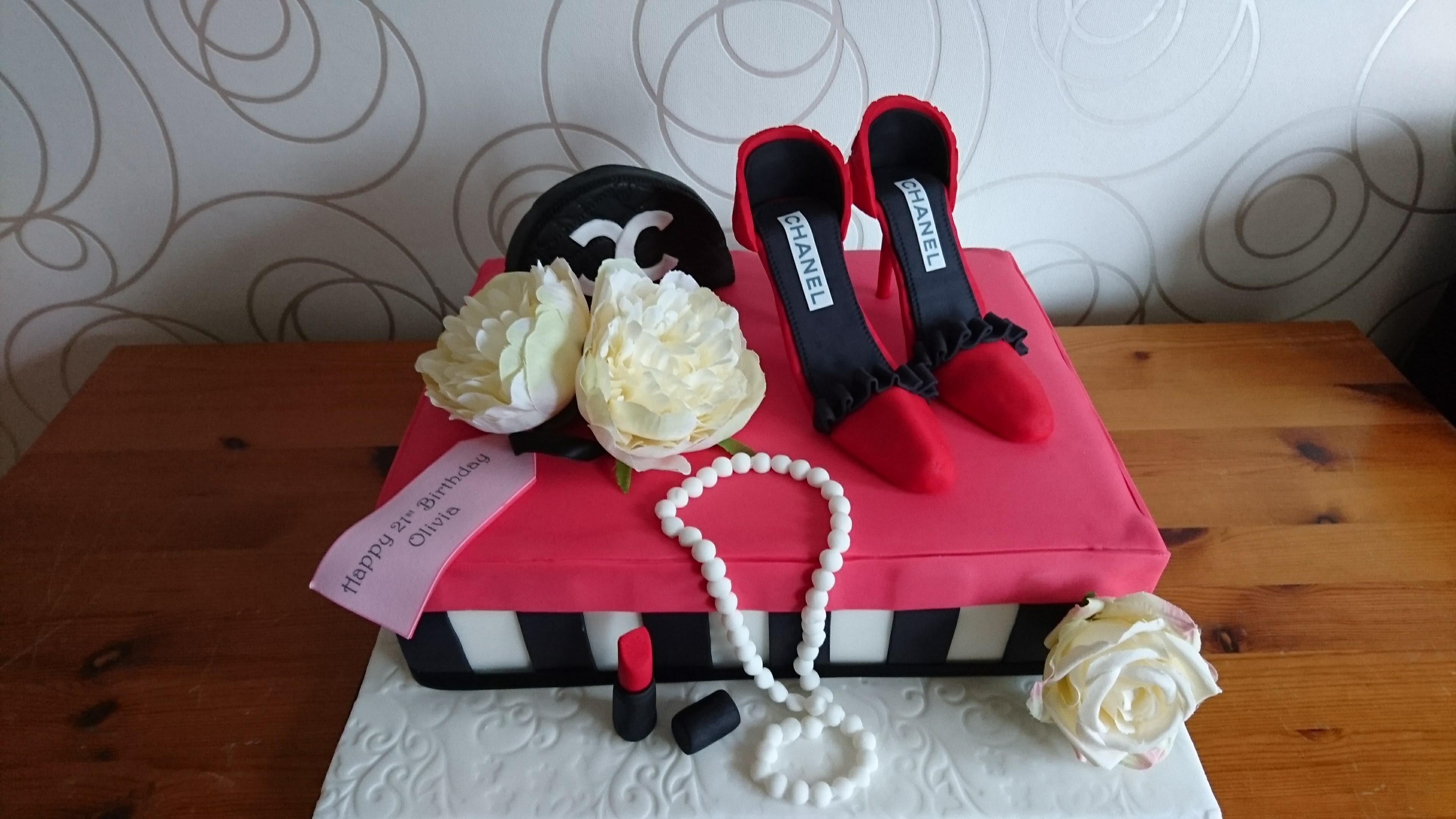 Make Up & Shoe Box Cake