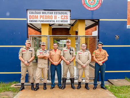 Visita dos comandantes da capital e interior.