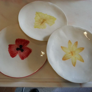 serviço flôr- pratos rasos e sobremesa- amor perfeito, papoila, geribera