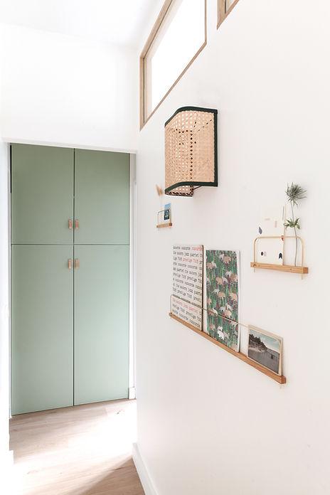 decoration-chambre-etageres-couloir.jpg