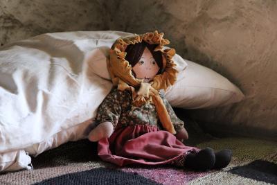 06 Lonely rag doll.
