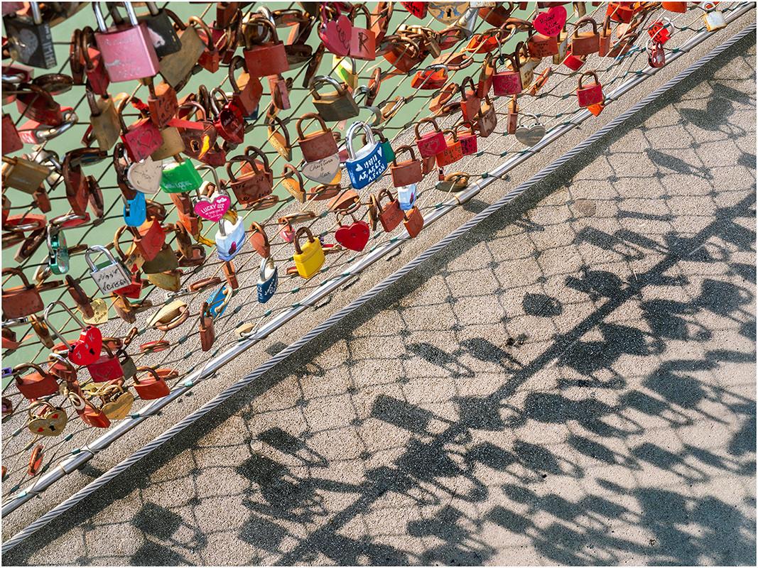 02 Locked-in love
