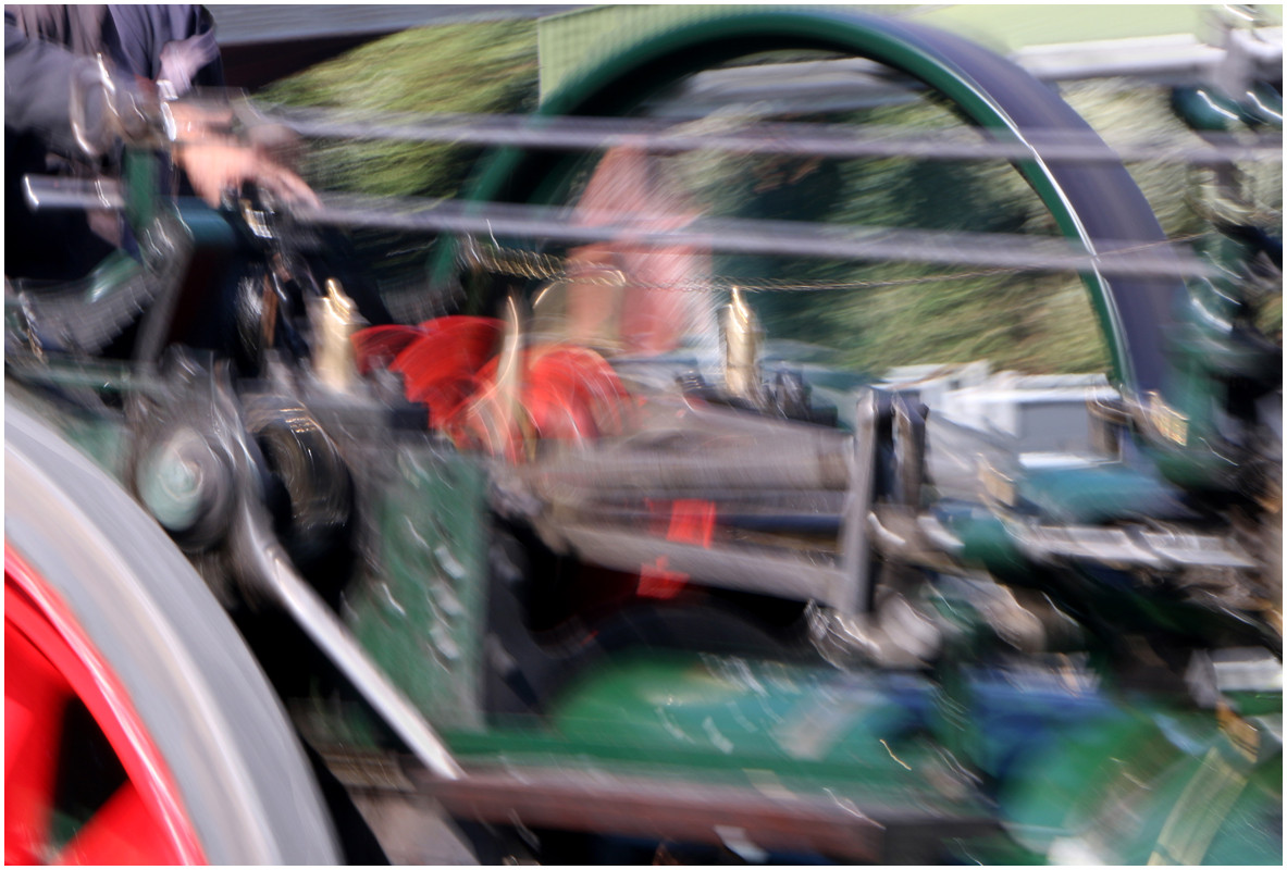 03 Traction Engine.jpg