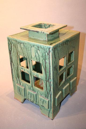 Arts and Crafts lantern-large windows