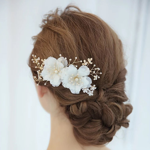 Lovely Gold & Ivory Bridal Comb with Pearls & Flowers