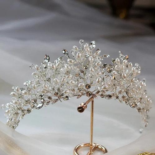 Beautiful Silver Wedding Tiara Adorned with Stunning Freshwater Pearls