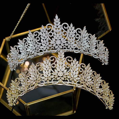 Make a Statement with this Beautiful Swarovski Crystal Tiara in Silver or Gold