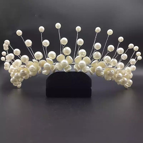 Lovely Beaded & Pearl Headpiece.For The Brides or Bridesmaids