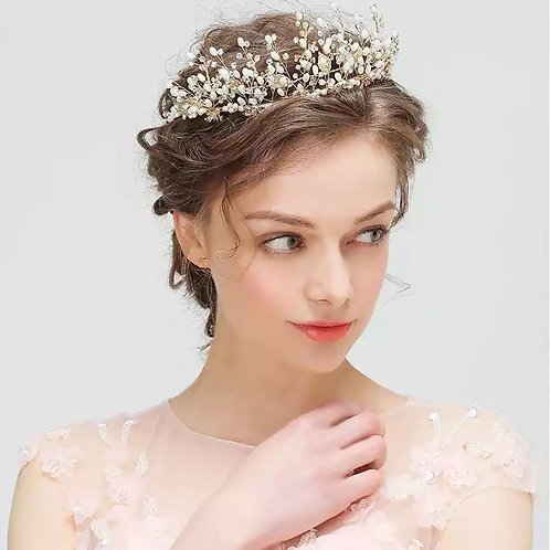 Lovely Gold Bridal Tiara with Exquisite Pearls