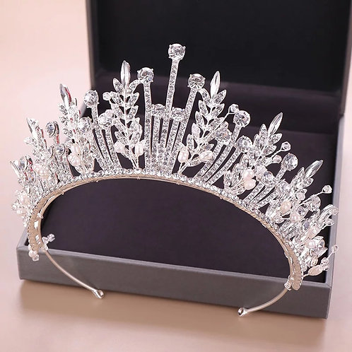 Beautiful Silver Bridal Tiara with Beautiful Leaf Crystals.