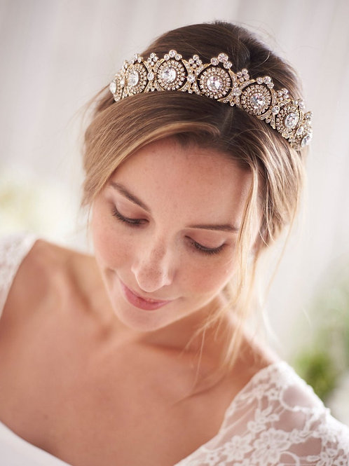 Turn heads with this stunning Rose Gold Bridal Tiara with Diamante & Crystals
