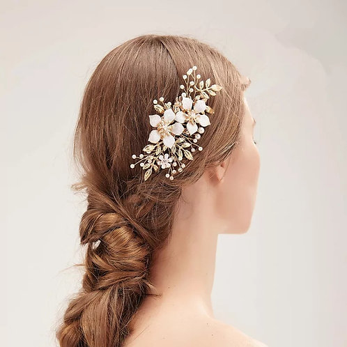 Lovely Gold Bridal Comb with stunning Flower detail