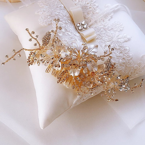 Lovely Gold Bridal Comb/Headpiece Adorned with Flowers & Pearls