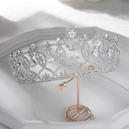 Beautiful Silver Bridal Tiara with Stunning Swarovski Crystals