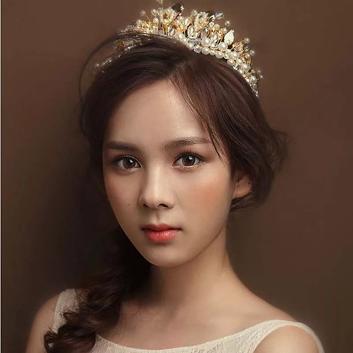 Lovely Gold Bridal Headband with Beautiful Pearl & Leaf Detail