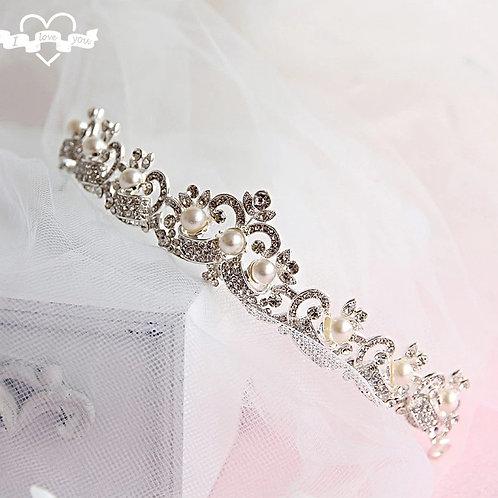 Beautiful Silver Bridal Tiara with Crystals & Pearls