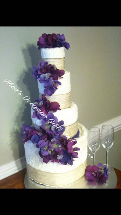 12 Piece Luxury Towel Cake