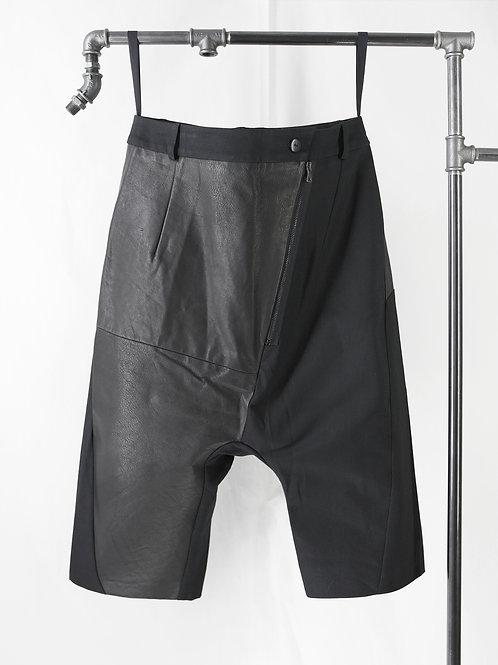 PRAGUE low crotch shorts | LAST SIZE