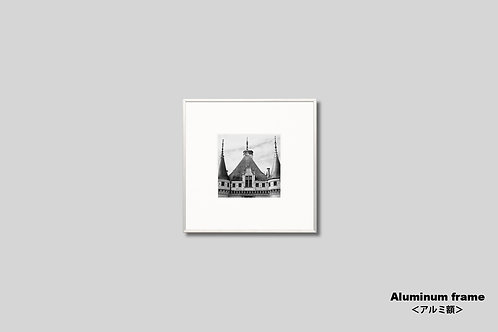 写真,城,古城,屋根,建築物,インテリア,風景,フランス,モノクロ,インテリアフォト,アート,額入り,正方形,額装,オリジナルプリント,アートフレーム,フォトフレーム,おしゃれ,プレゼント,モダン,壁掛け,壁飾り,装飾,ウォールアート,新築祝い