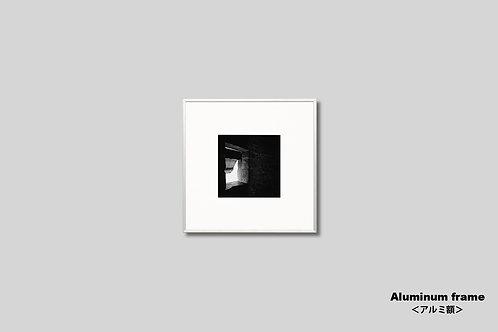 インテリア,写真,モンサンミッシェル,窓,モノクロ,額入り,壁掛け,正方形,インテリアフォト,アート,額装,オリジナルプリント,アートフレーム,フォトフレーム,おしゃれ,モダン,プレゼント,額装,装飾,ウォールアート,新築祝い