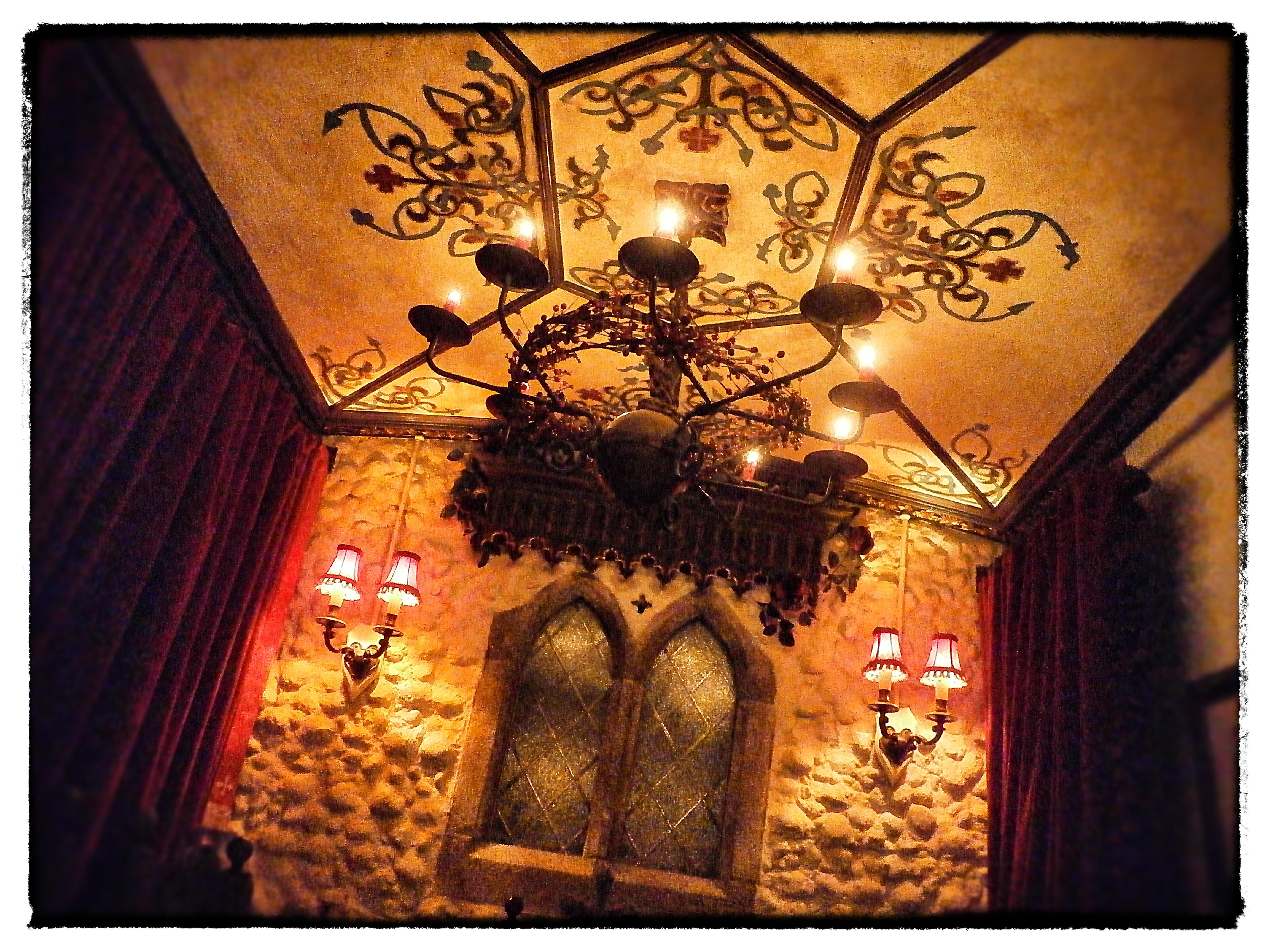 Neverland table10_Snapseed.jpg