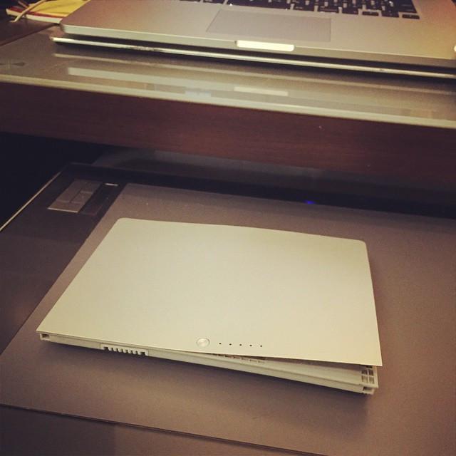 """Instagram - """"Pop!!""""💣💥suddenly my old MacBook Pro broken.jpg"""