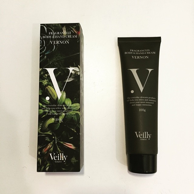 Instagram - Veilly TOKYOのfragranced body&hand cream vernon💠手がカサつく時以外にもバニラの香りがする