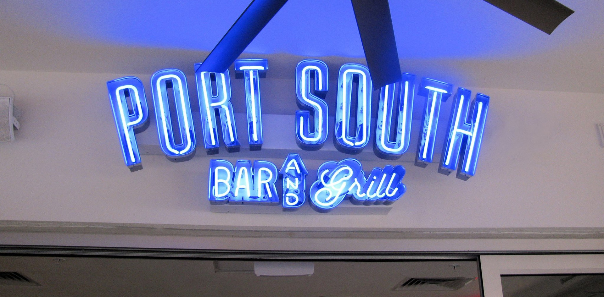 PORT SOUTH_NEON SIGN.jpg