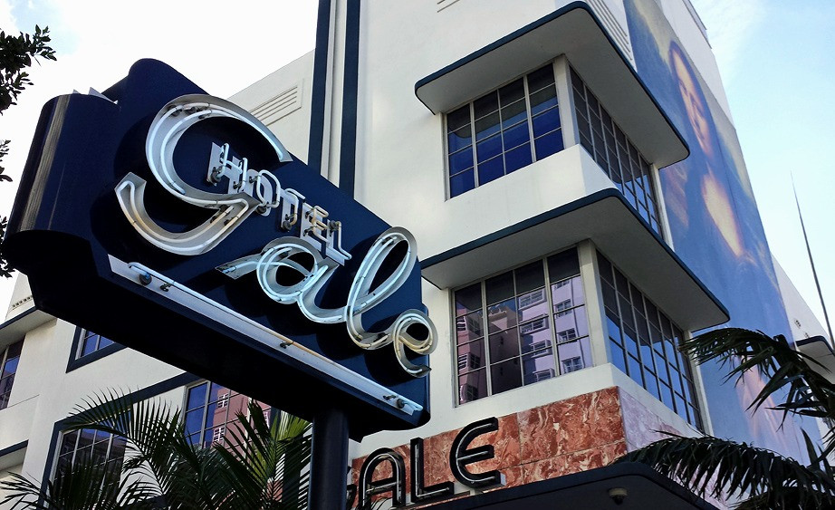 the-gale-hotel-sign-neon-sign.jpg