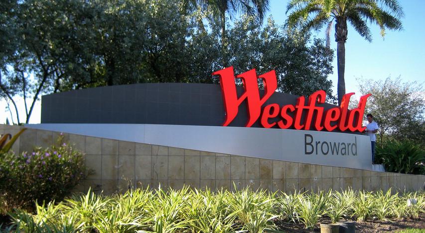 Broward_Westfield_Retail_Monument_Sign.j