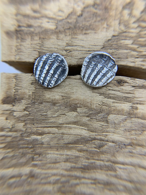 Clam Shell Stud - 12mm
