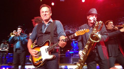 springsteen-pit-729-620x349