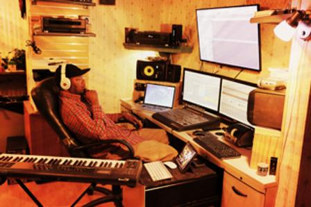Rolandstudio.png