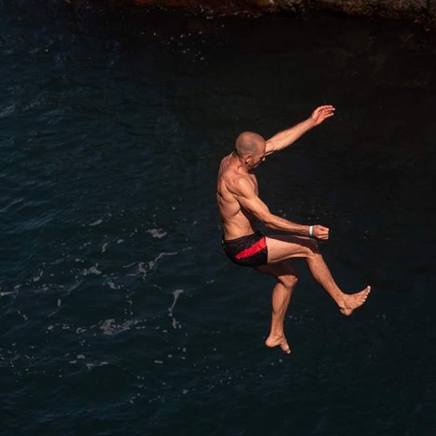 Cliff jump by Yordan