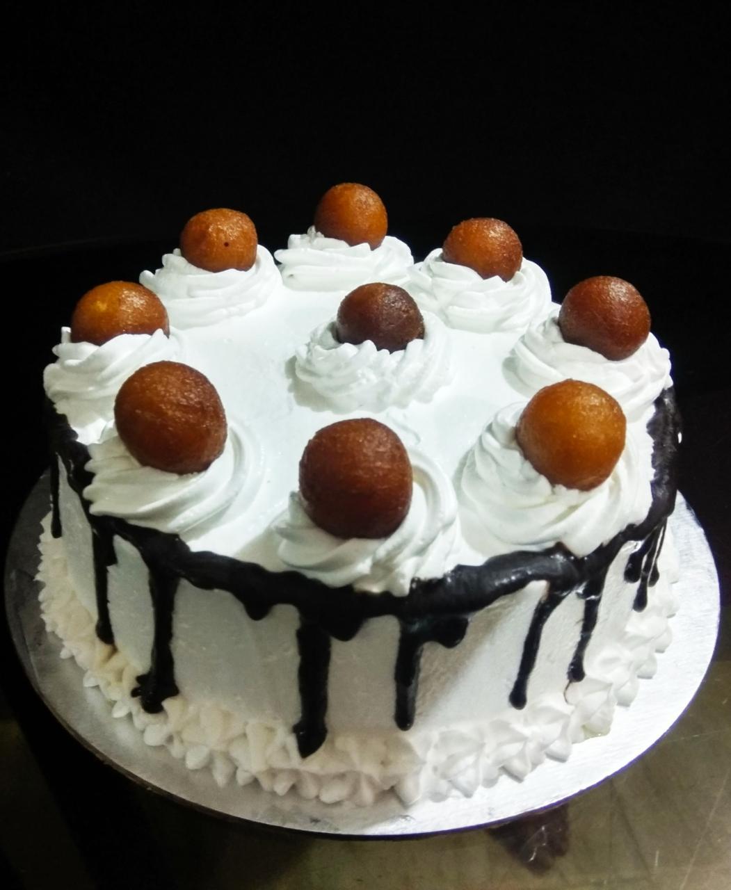 Gulabjam Cake