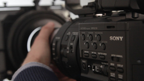 Sony FS100 in action