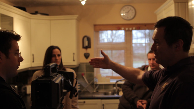Briefing crew and actors