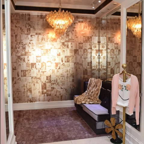 WILDFOX HOLLYWOOD STORE    DRESSING ROOM