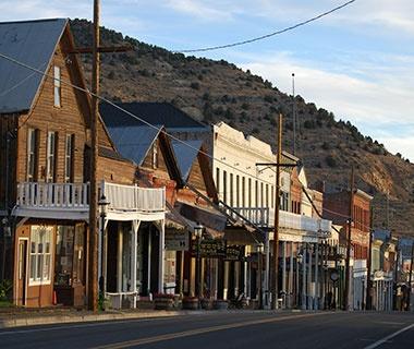 201404-w-americas-coolest-desert-towns-v