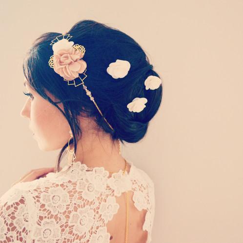 bijou de cheveux mariage boh me fleurs ivoire et cappuccino accessoires mariage boh me mes. Black Bedroom Furniture Sets. Home Design Ideas